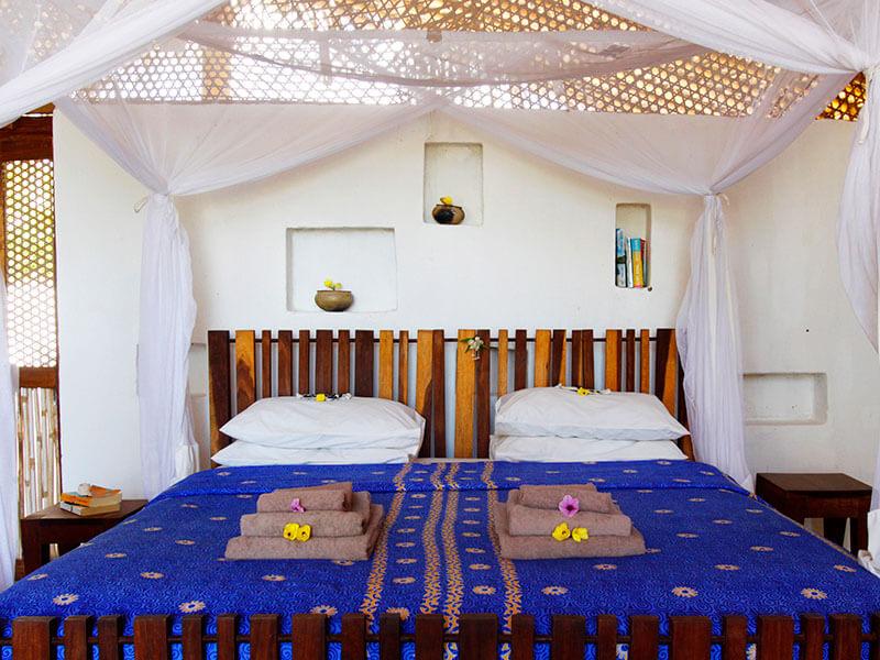 Guludo Adobe Banda bedroom