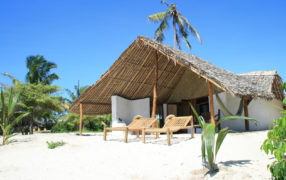 Guludo Beach Lodge Barefoot Free Nights