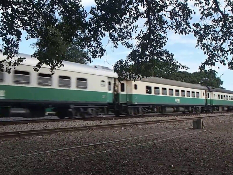 Mozambique-trains