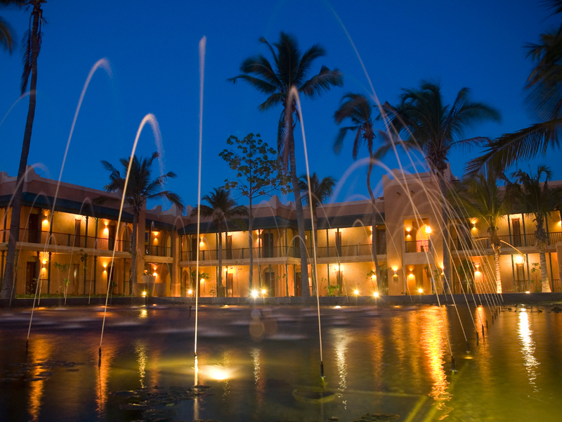 Pemba Beach Hotel Courtyard Fountain