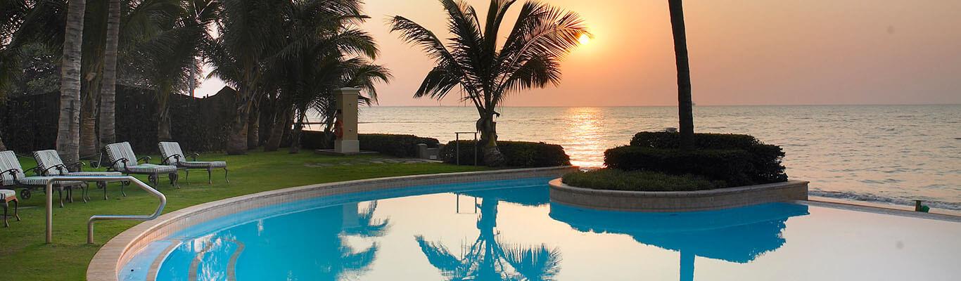 Pool area at the Southern Sun Maputo