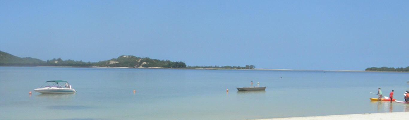 Tenda Tora Bilene lagoon