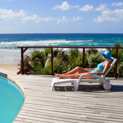 Massinga Beach Luxurious Pool Accommodation