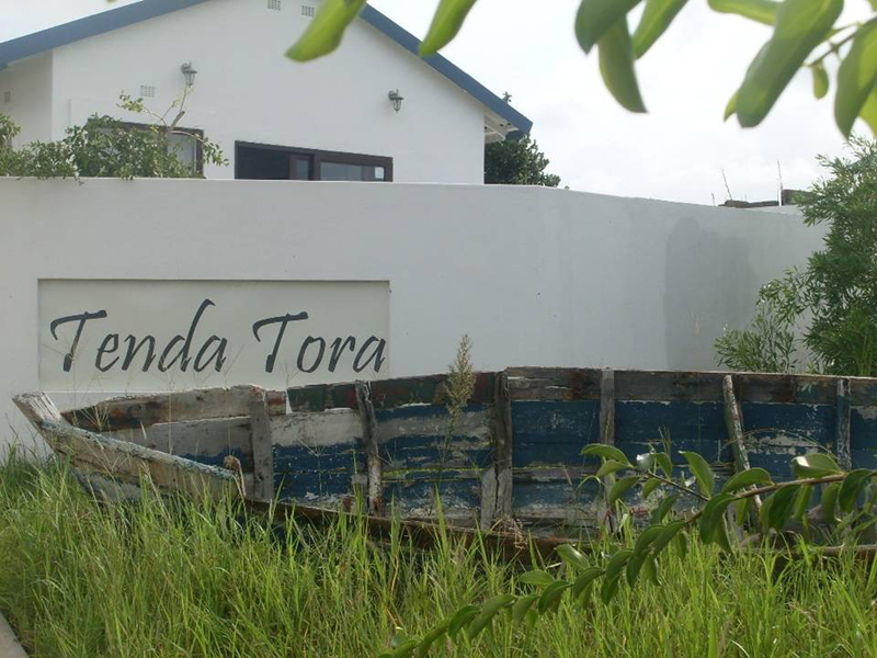 Tenda Tora Entrance