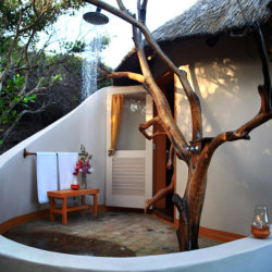 Dunes de Dovela Outdoor shower