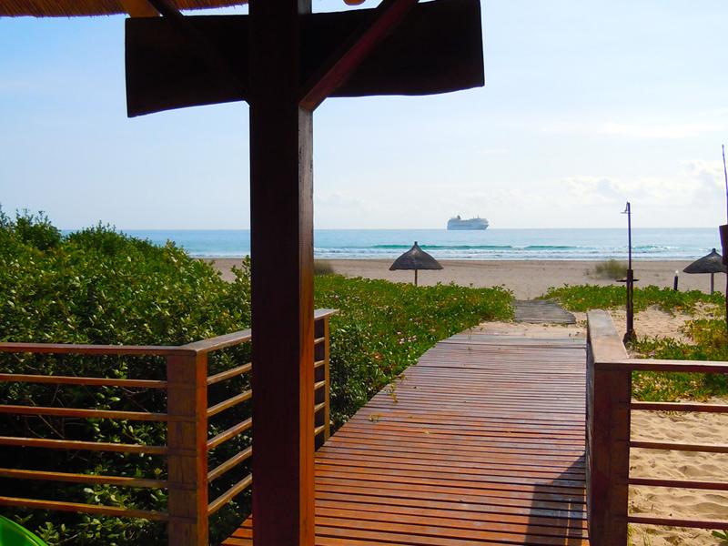 Barra Beach Club Walkway inside