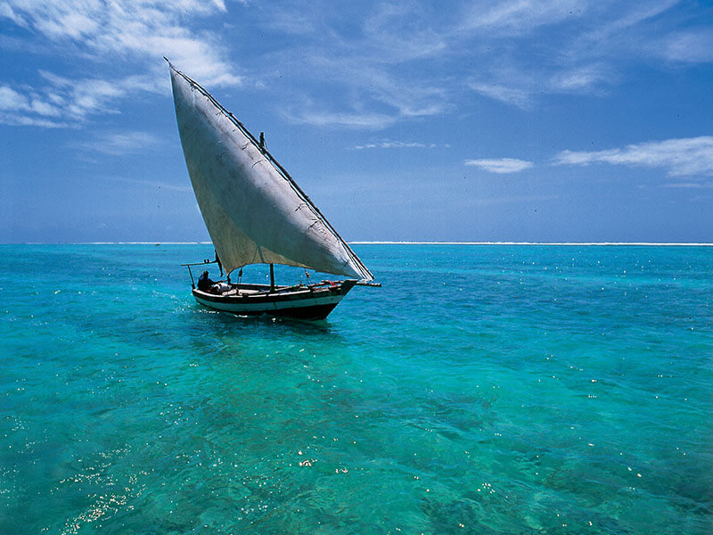 Mobile Island Hopping Dhow at sea