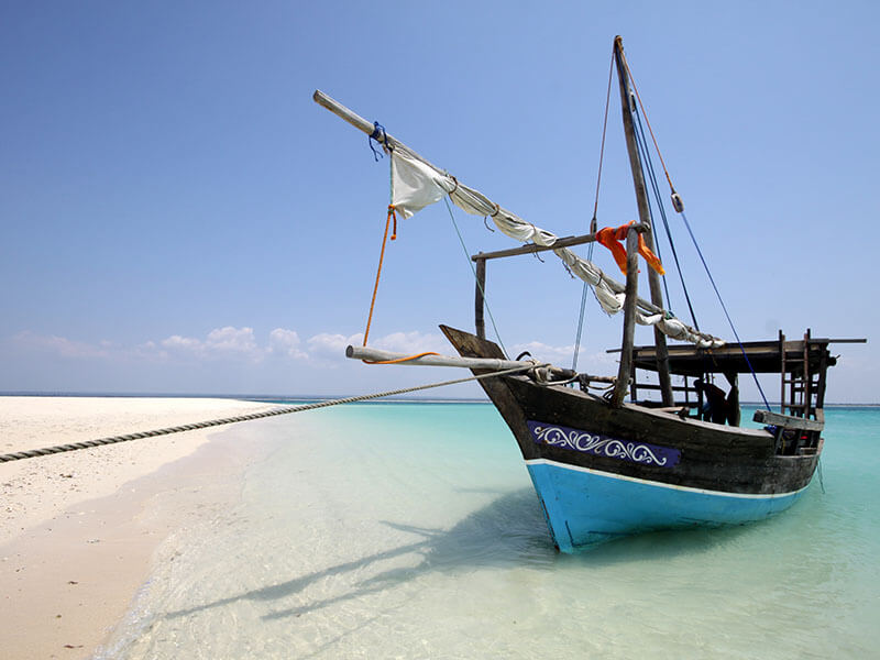 Mobile Island Hopping Dhow safari transport
