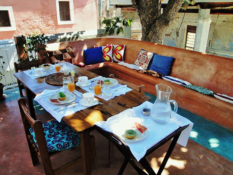 Jardim breakfast-in-the-terrace