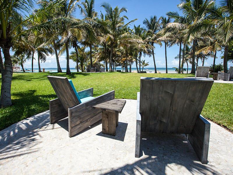 Vilanculos Beach Lodge garden